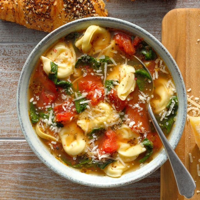 Tortellini and Spinach Soup